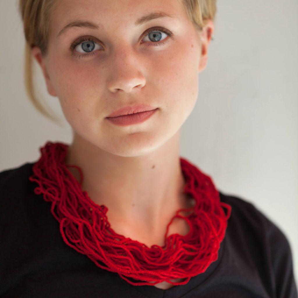 Textillschmuck aus der Grace Kollektion bei Csilla-Berlin