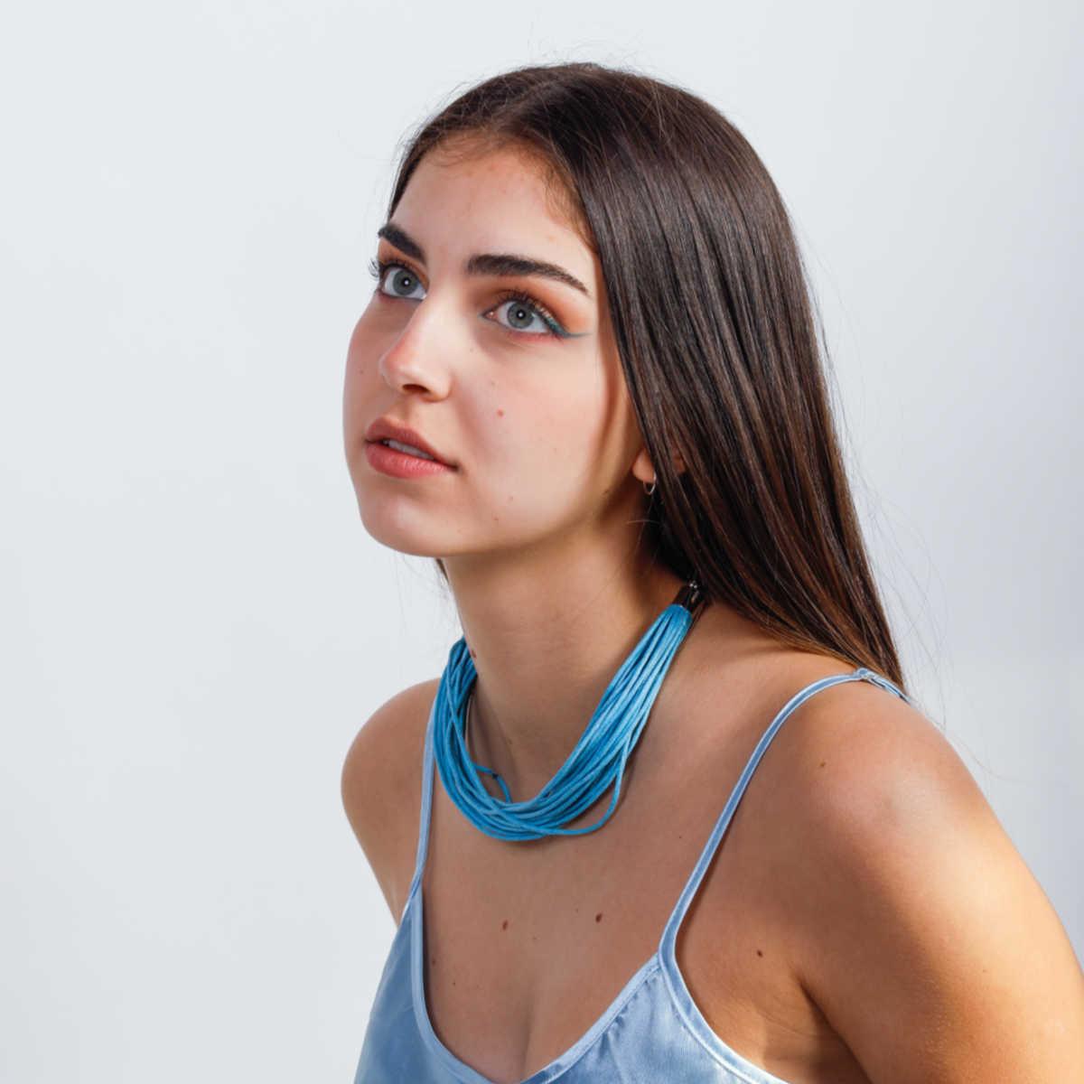 Line-sapphire mehrsträmiger, moderner Schmuck aus Designerhand