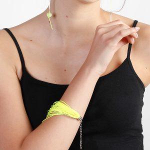 Süsses Armband aus textilem Material