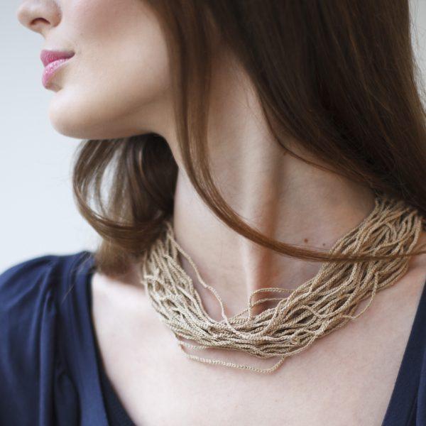 Hautfreundliche Halskette nussbraun Collier